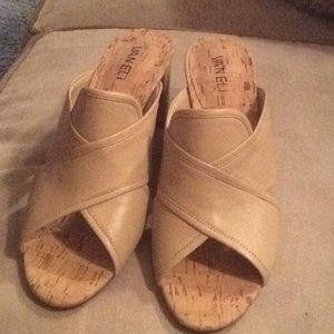 NEW Size 9 1/2 Vaneli shoes